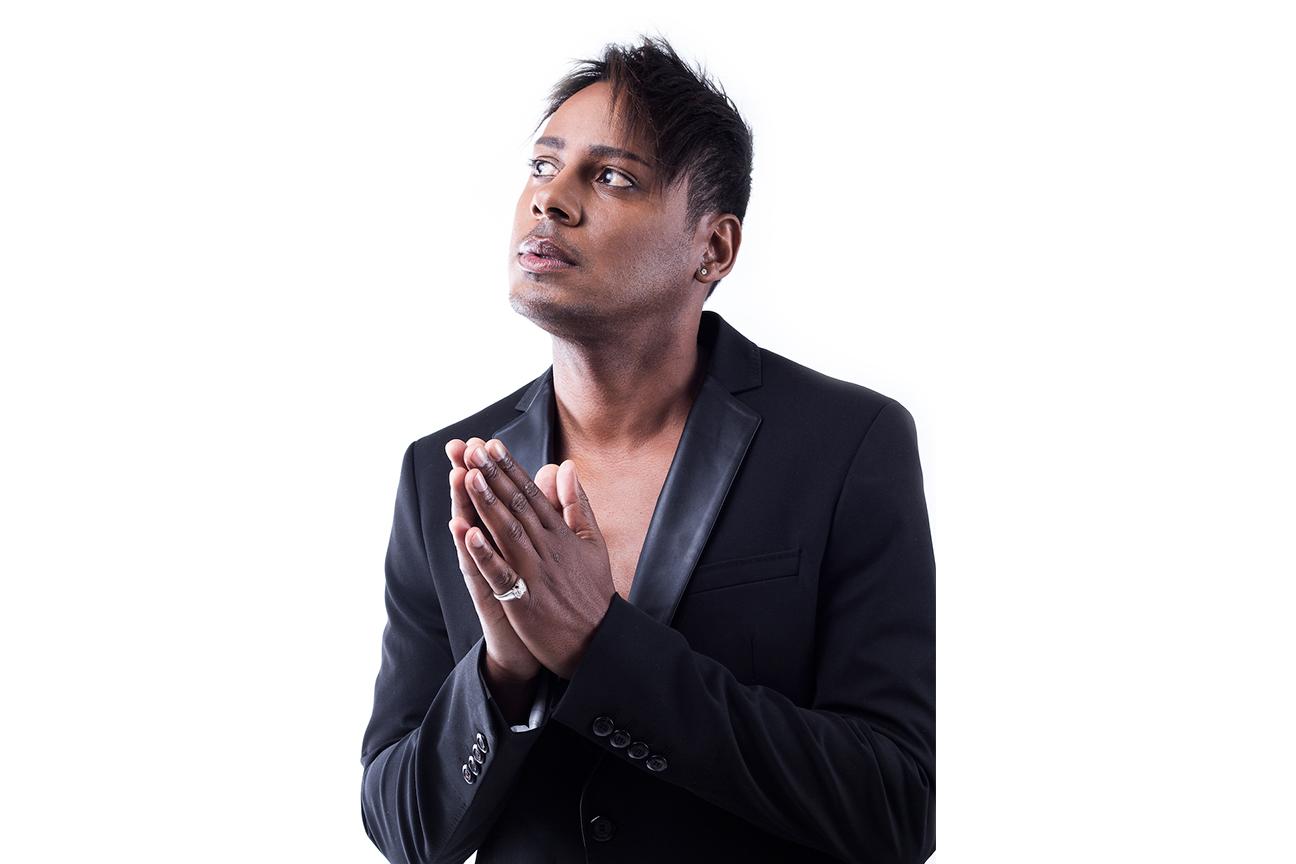 Horacio Black Jacket Pray